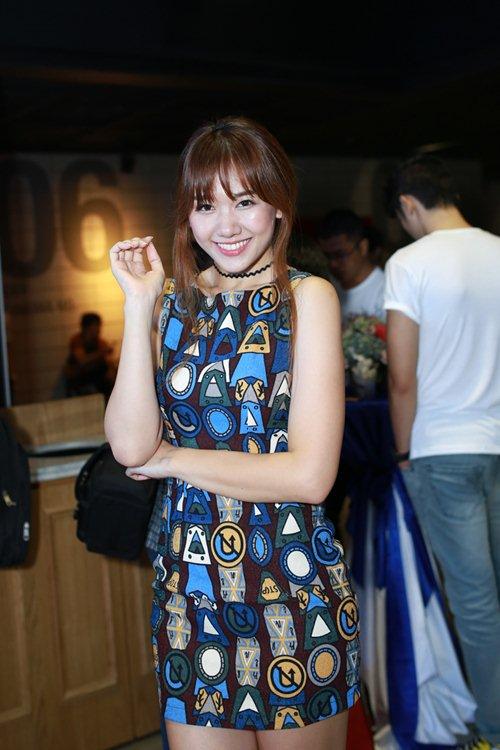 "hari won tu tin do sac voc voi ""hot girl vietnam idol 2015"" - 4"