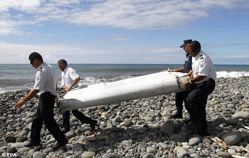 mot phan canh may bay tim thay la cua mh370 - 1