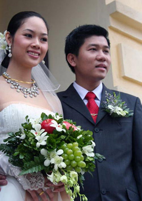 """nhung hoa hau viet song """"an dat"""" vi scandal - 9"""