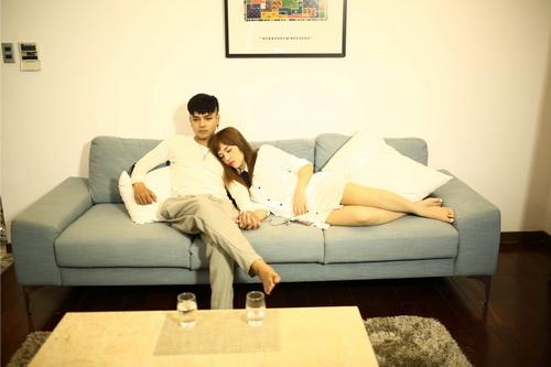 """hot girl mang 4 dong mau """"gay sot"""" voi mv 100 trieu - 3"""