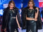 Thời trang - Minh Triệu sải bước lạnh lùng trên sàn catwalk