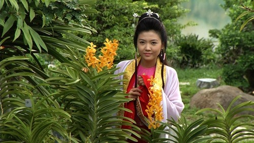 "hanh thuy lan dau ""mao hiem"" lam dao dien phim - 5"