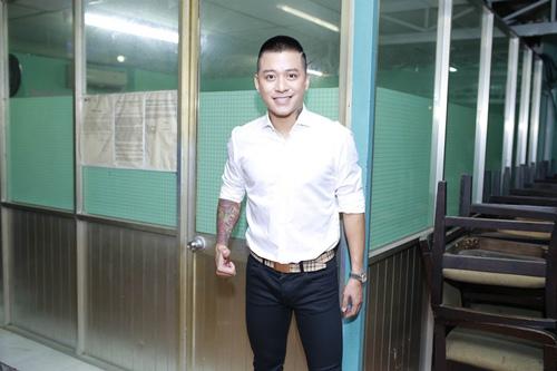 "my tam gay chu y vi ngay cang dep tren ghe ""nong"" the voice - 10"
