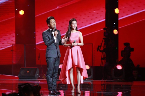 the voice 2015: my tam tu nhan minh vo duyen tren song truyen hinh - 1