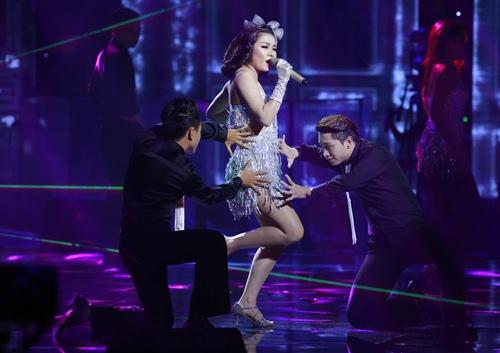 the voice 2015: my tam tu nhan minh vo duyen tren song truyen hinh - 7