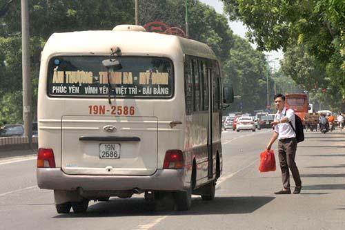 de xuat phat ca hanh khach bat xe doc duong - 1