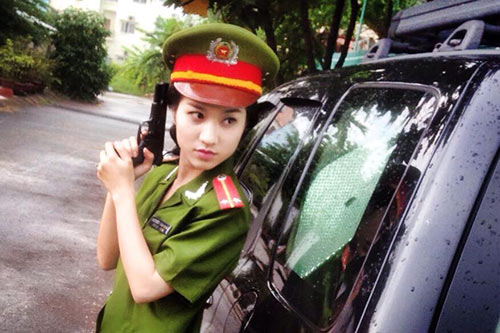 "dao dien le hong son vat va ""day"" cao my kim khoc - 1"