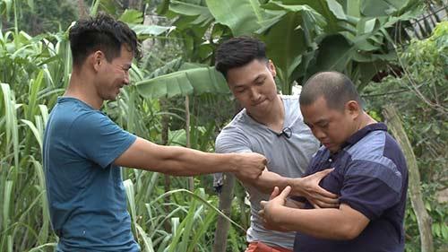 tap 10 bo oi mua 2: minh khang lan dau coi ao khoe co bap - 8