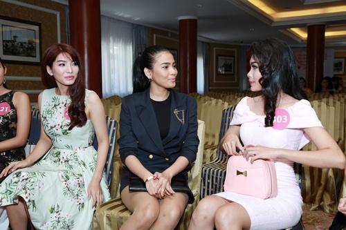 pham huong khoe sac tai hh hoan vu viet nam 2015 - 12