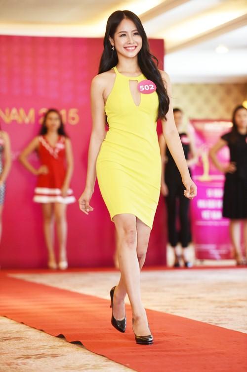 pham huong khoe sac tai hh hoan vu viet nam 2015 - 8
