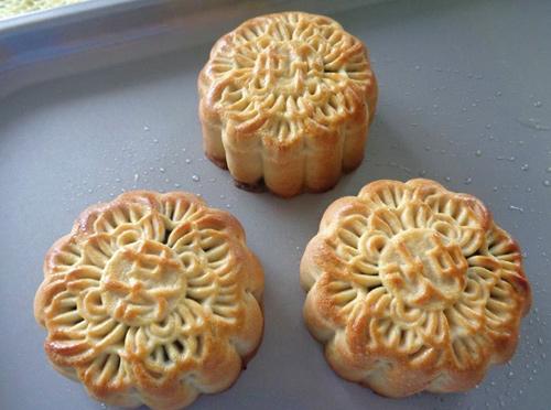 Cách làm bánh Trung thu nhân mè đen thơm ngon-14