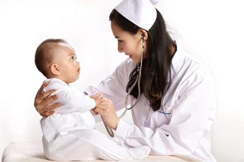 Những dấu hiệu quan trọng cha mẹ cần biết về bất thường ở trẻ-1