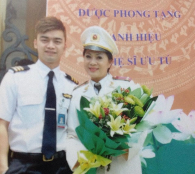 """duong doi khong suon se cua dan dien vien """"chay an"""" - 12"""