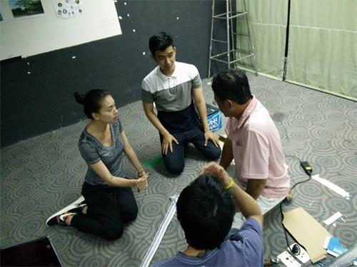 """em gai mai phuong thuy """"nhong nheo"""" doi chi cong - 4"""