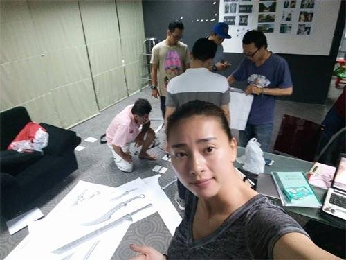 """em gai mai phuong thuy """"nhong nheo"""" doi chi cong - 5"""