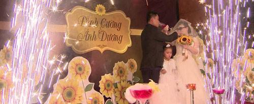 Nghẹn ngào hôn lễ của đôi vợ chồng 10 năm không cưới-12