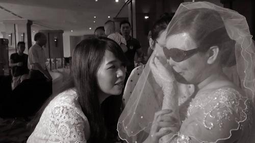 Nghẹn ngào hôn lễ của đôi vợ chồng 10 năm không cưới-6