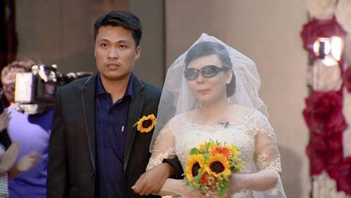Nghẹn ngào hôn lễ của đôi vợ chồng 10 năm không cưới-1