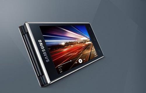 Smartphone Android nắp gập 2 màn hình lớn-2
