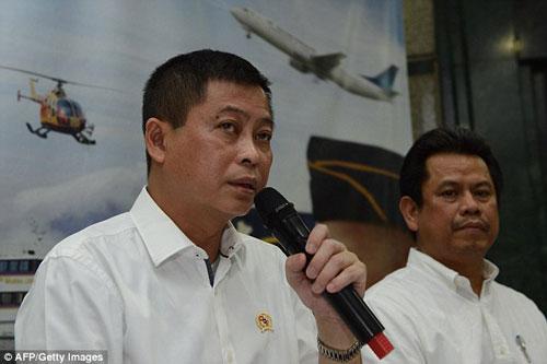 Thân nhân hành khách ATR-42 'chết lặng' đợi tin tức-7