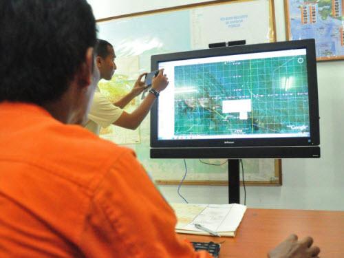 Máy bay Indonesia gặp nạn: 9 hành khách dùng tên giả-1