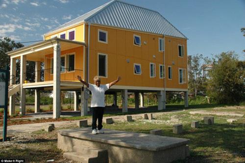 Brad Pitt xây nhà cho 109 hộ gia đình mất nhà sau cơn bão-4