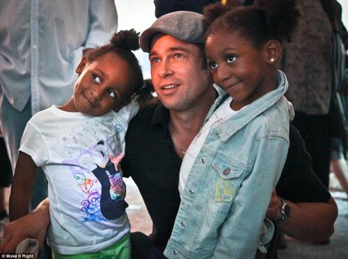 Brad Pitt xây nhà cho 109 hộ gia đình mất nhà sau cơn bão-1