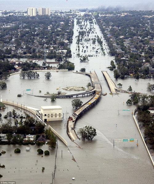 Brad Pitt xây nhà cho 109 hộ gia đình mất nhà sau cơn bão-6