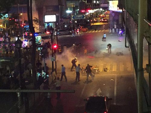 Nổ bom chấn động thủ đô Bangkok, hàng trăm người thương vong - 2