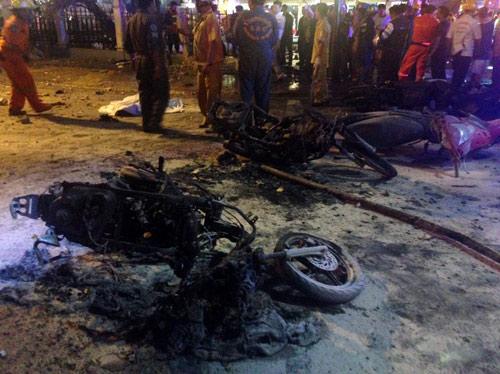 Nổ bom chấn động thủ đô Bangkok, hàng trăm người thương vong - 4