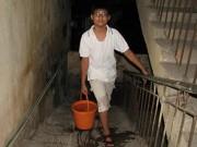 Tin hot - Dân Hà Nội khổ vì đường ống nước sông Đà vỡ lần thứ… 13