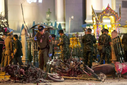 trung tam bangkok tan tac sau vu no bom dam mau - 2