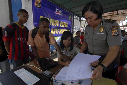 may bay indonesia 'vo tan', khong co nguoi song sot - 4