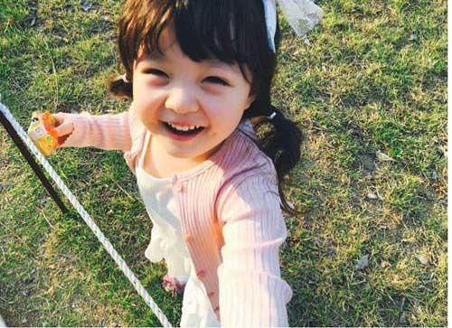 """Nhóc tì hai dòng máu Hàn – Nhật """"đốn tim"""" vì đáng yêu-10"""
