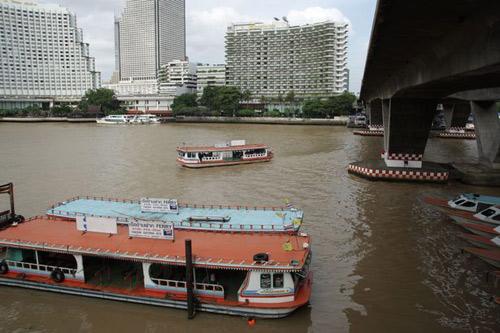 Bangkok lại rúng động vì vụ nổ bom thứ hai-3