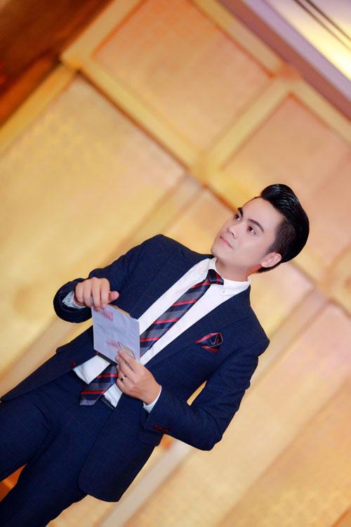 MC Thái Dũng thân thiết Lưu Hương Giang tại sự kiện-2