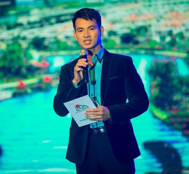 Mỹ nam điện ảnh Việt tay ngang làm MC với cát-xê cao-13