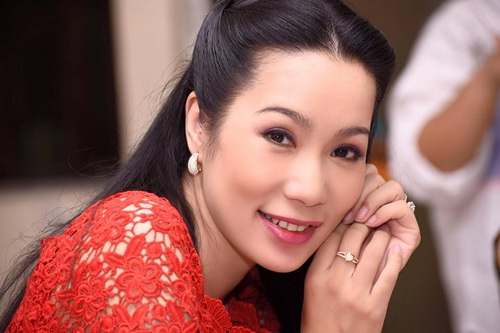 trinh kim chi mung sinh nhat am ap ben chong con - 1