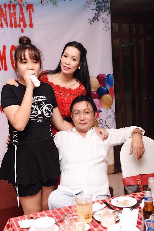 trinh kim chi mung sinh nhat am ap ben chong con - 8