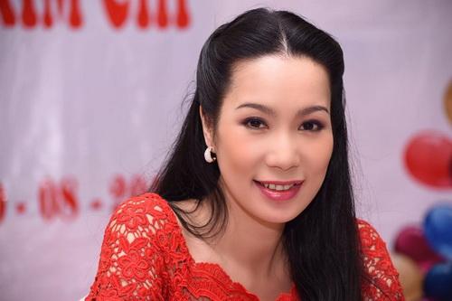 trinh kim chi mung sinh nhat am ap ben chong con - 2
