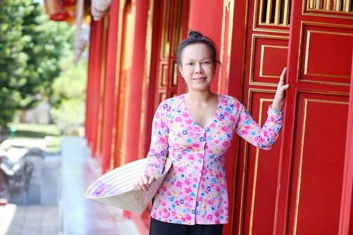 "tran thanh doi non la lam ""pho nhay"" cho viet huong - 1"