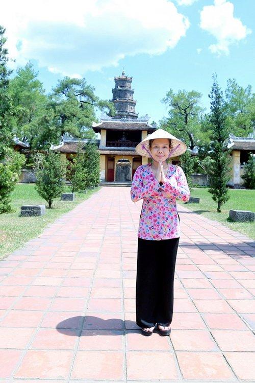 "tran thanh doi non la lam ""pho nhay"" cho viet huong - 5"