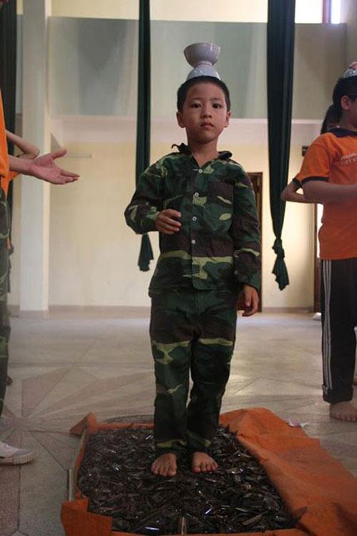 """tac gia sach """"giam len tham thuy tinh"""" len tieng - 2"""