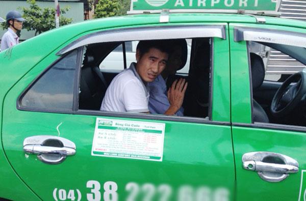 taxi chay tron csgt nhu phim hanh dong giua thu do - 2