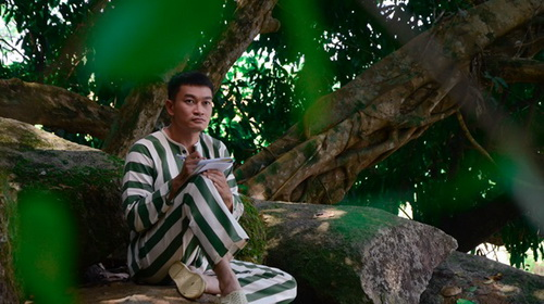 """a hau diem chau dong vai """"lo co bau voi dai gia"""" trong phim moi - 7"""