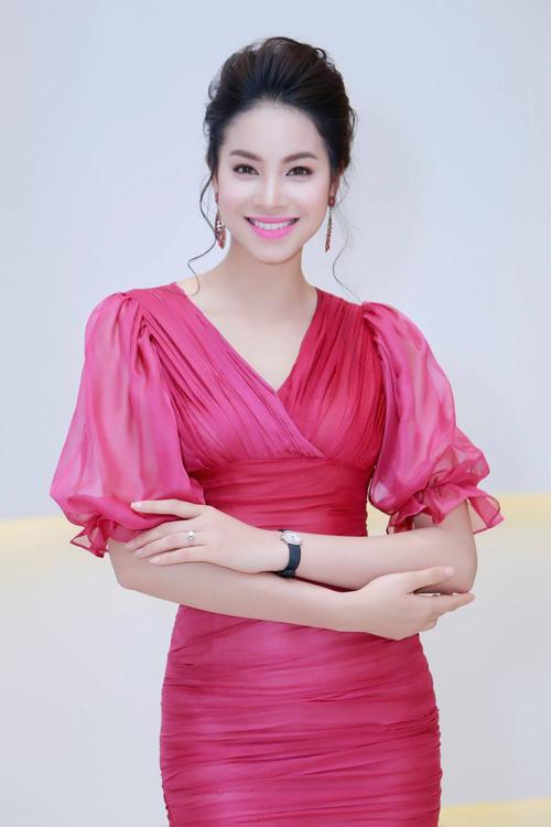 khong the roi mat khoi ve kieu sa cua pham huong - 6