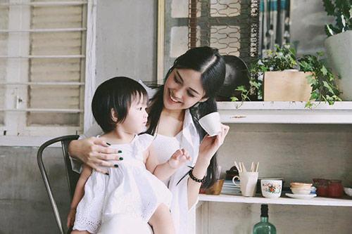 hotgirl 9x lam single mom: 'la phu nu hay nghi thoang len' - 5