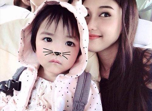hotgirl 9x lam single mom: 'la phu nu hay nghi thoang len' - 9