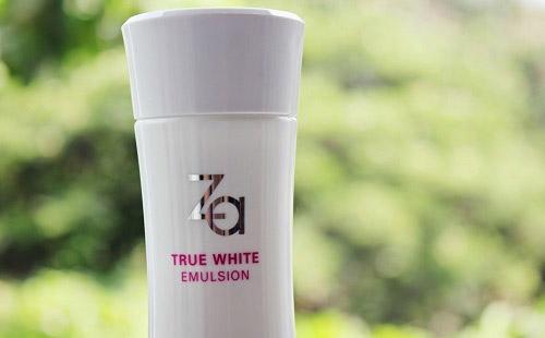 danh gia sua duong am trang da za true white emulsion - 7