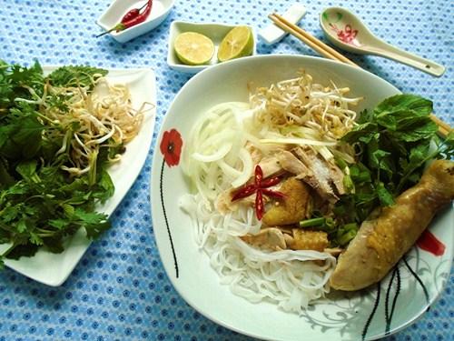 bua sang thoa the thuong thuc pho ga tai nha - 6